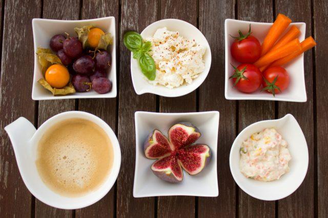 Fikejs - breakfast-1822190_1920.jpg