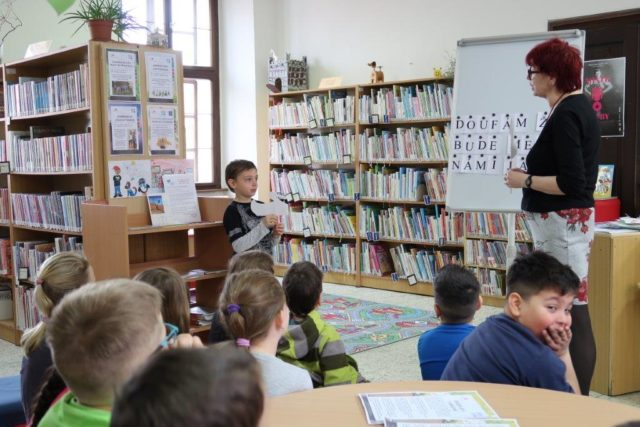 novakova - Cesta-do-knihovny-13.jpg